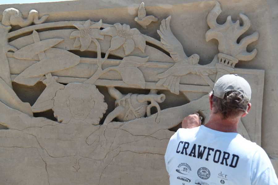 At the heart of the festival is the Master Sand Sculptor Competition. Over the course of 4 days, over 20 sculptors invited from around the world compete for a prize.