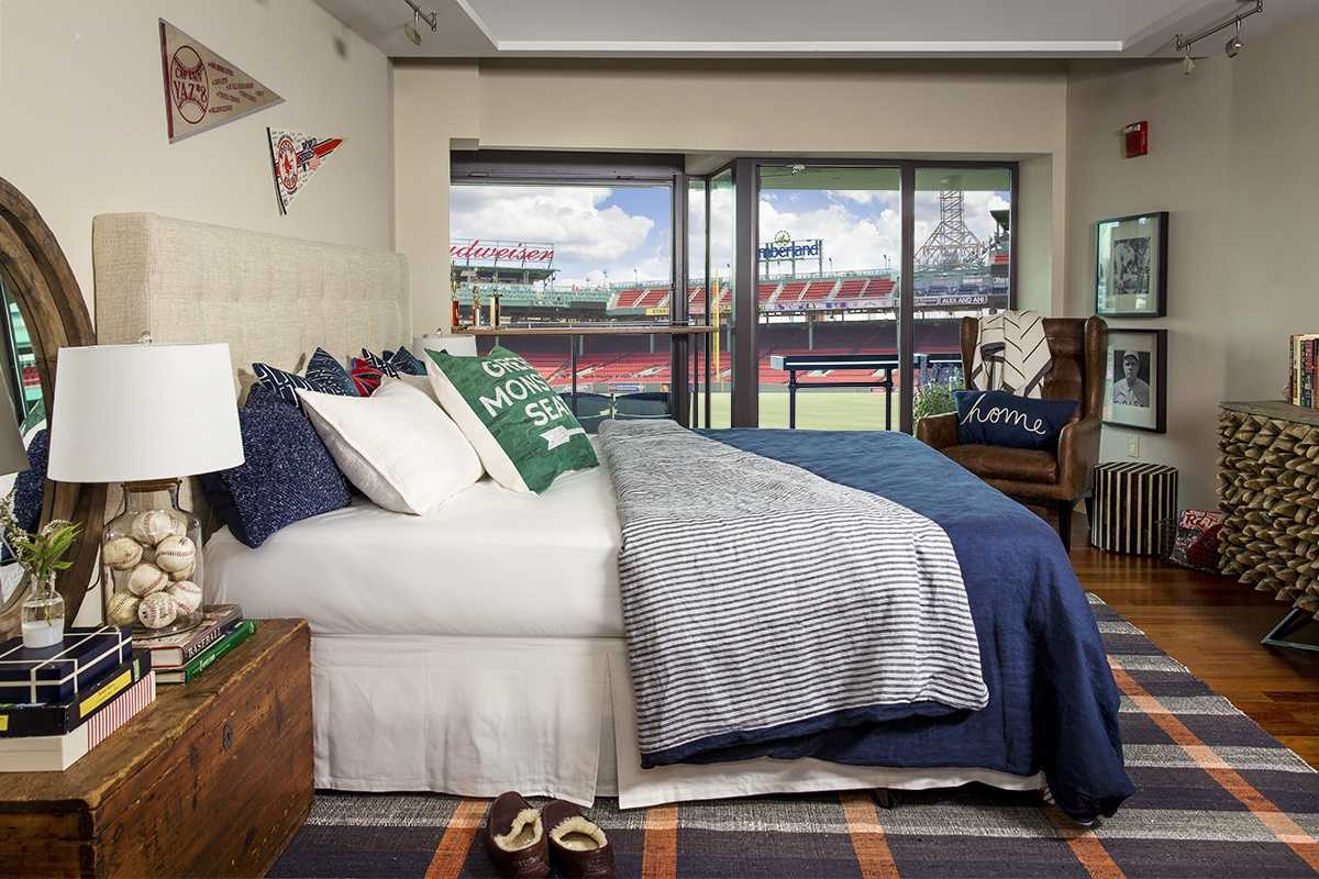 Red Sox Fans Have Chance To Sleep In Fenway Park Suite