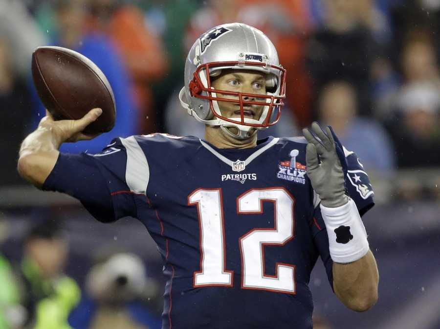 New England Patriots quarterback Tom Brady passes against the Pittsburgh Steelers in the second half of an NFL football game, Thursday, Sept. 10, 2015, in Foxborough, Mass. (AP Photo/Stephan Savoia)