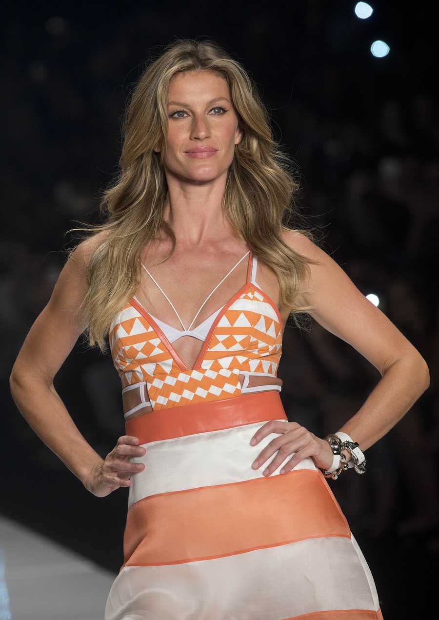 #1. Gisele BundchenEarnings: $44 million
