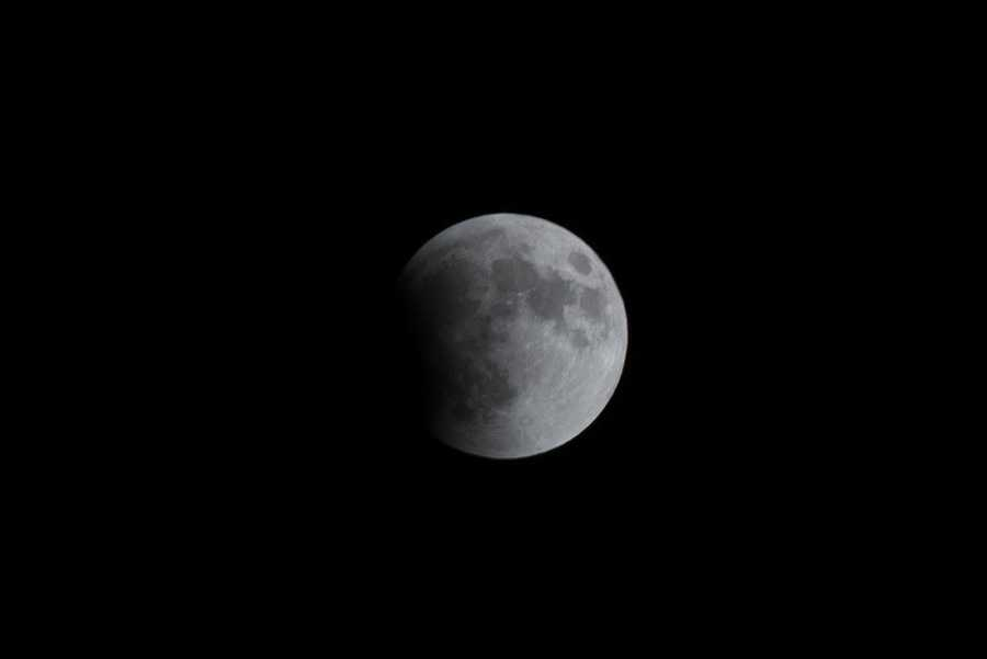 Whitney Brulé ofWhitney Brulé Photography captured these amazing images of the lunar eclipse.