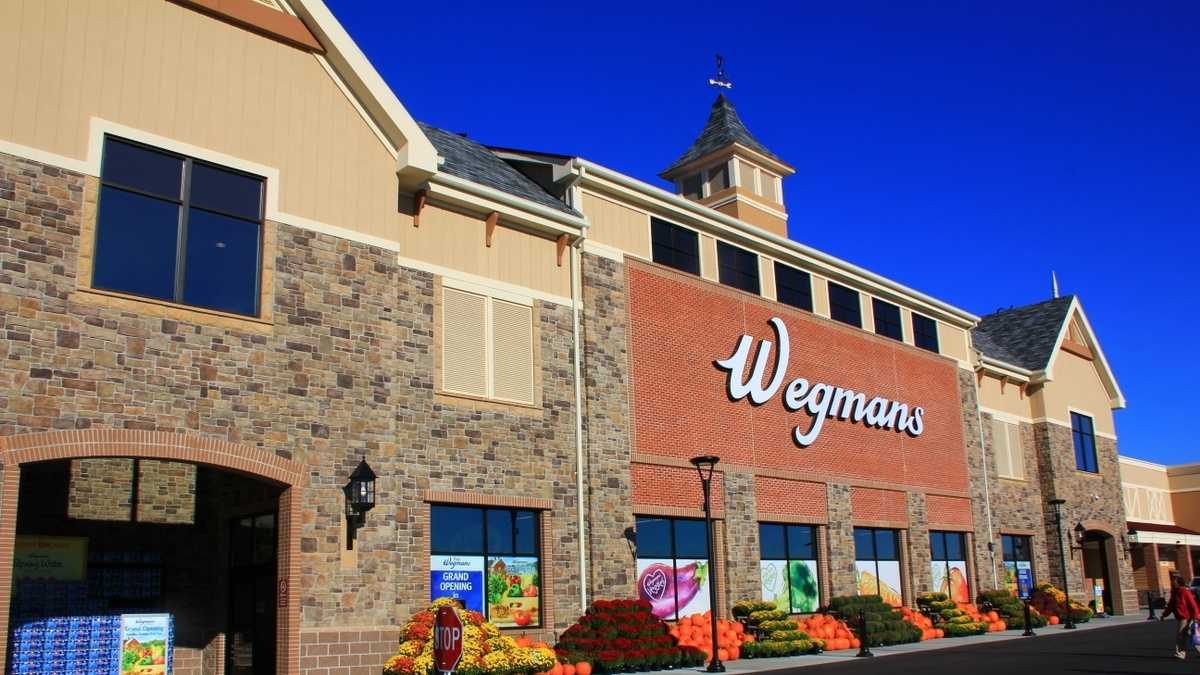 It was supposed to be the company's first store in Massachusetts.  This Sunday, Wegmans will open this 122,000 square foot store at University Station in Westwood.