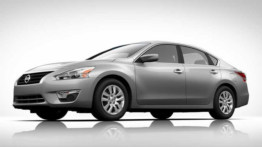 nissan recalls altimas to fix hood latches. Black Bedroom Furniture Sets. Home Design Ideas