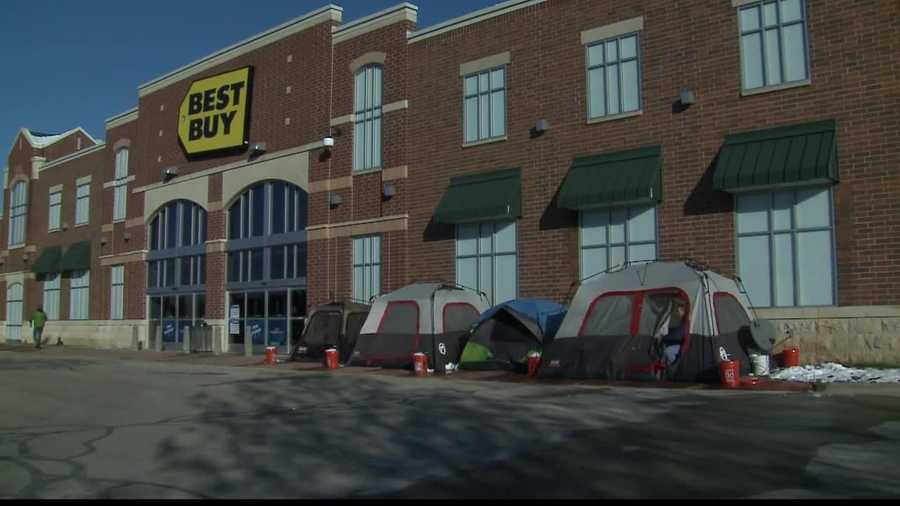 WISN 12's Kent Wainscott caught up with one man who is spending his vacation, waiting for Black Friday to arrive.