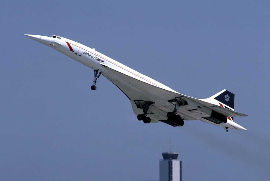 British Airways inaugurates Concorde service between London and New York City.