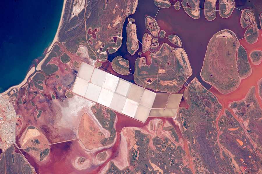 Salt Ponds, western Australia. Expedition 44: 11 June, 2015.