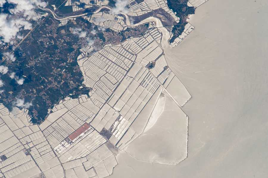 Aquaculture, northeast China. Expedition 44: 6 September, 2015.