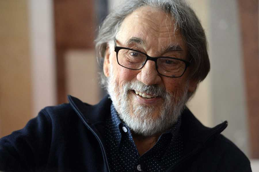 """Vilmos Zsigmond, the Oscar-winning cinematographer whose varied work included """"Close Encounters of the Third Kind,"""" """"The Deer Hunter,"""" """"McCabe and Mrs. Miller"""" and """"Deliverance"""" died on Jan. 1"""