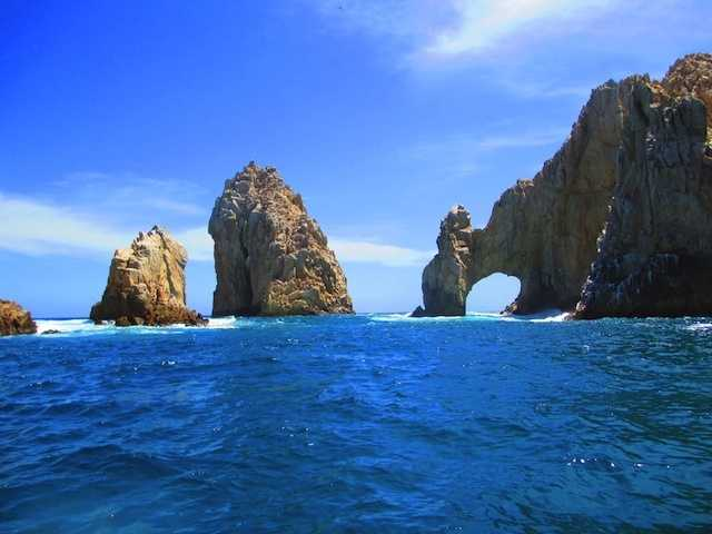 8.) Cabo San Lucas, Mexico.Average cost of a one-week winter trip: $3,637