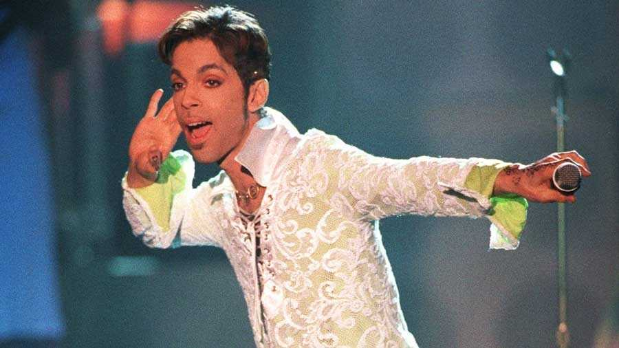 "The artist formerly known as Prince performs a medley of ""Take Me With U"" and ""Rasberry Beret"" at the ""4th annual VH1 Honors"" Thursday night, April 10, 1997, in Universal City, Calif."