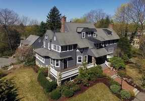 Signature 6 bed and 6.5 bath property in the heart of Country Club neighborhood!!!!!