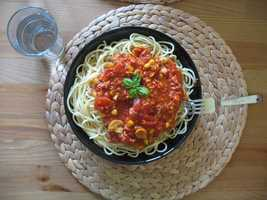 Spaghetti sauce: One serving has 577 mg of sodium.