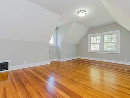 3rd floor perfect for teen suite/au pair or 2nd master suite.