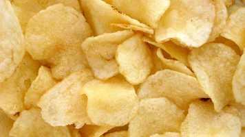 Potato chips: 527mg of sodium per 100g