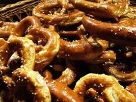 Hard pretzels: 1240mg of sodium per 100 gSoft pretzels: 779mg of sodium per 1 large pretzel
