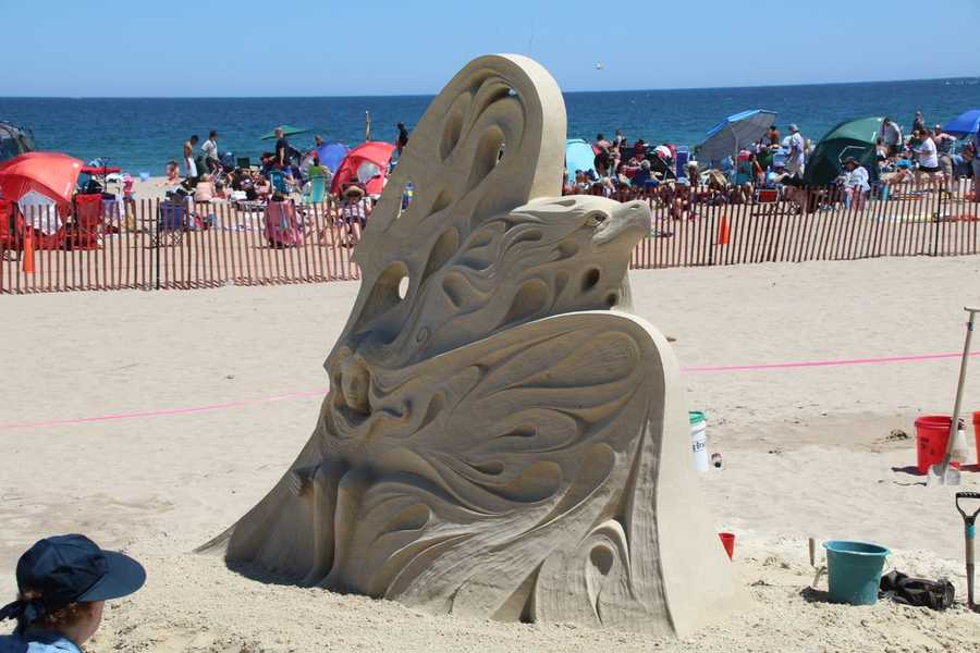 Fralich is a Toronto, Canada native and has been creating sand sculptures for 22 years.