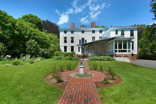 A High Street estate of incomparable grandeur and palatial elegance, the Lowell-Tracy-Johnson House, c.1773, is the finest Georgian mansion in historic Newburyport.