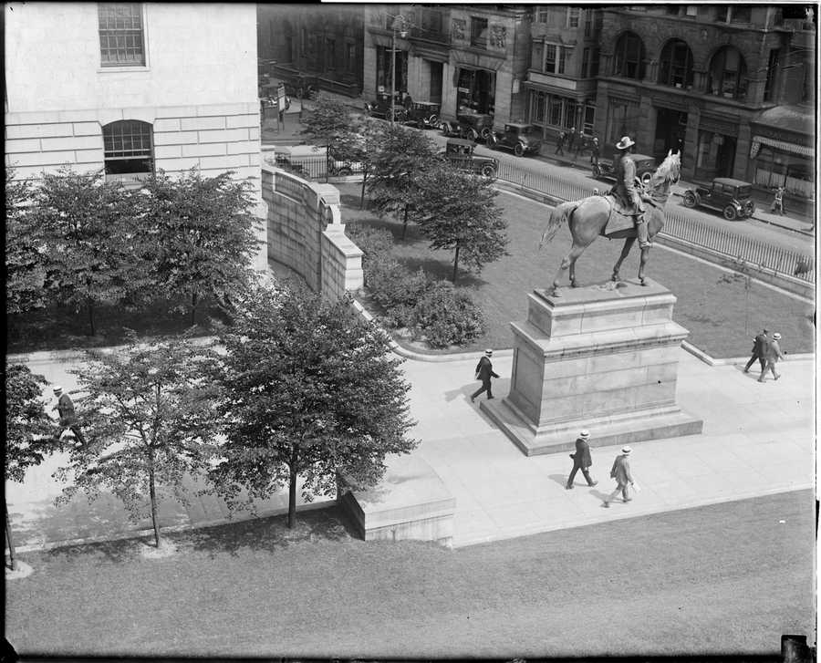Hooker's statue outside the State House. 1917 - 1934 (approximate)