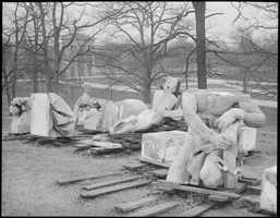U.S. Post Office statues taken to Franklin Park, 1929
