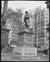 Benjamin Franklin statue. 1919