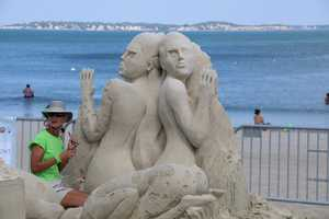 Dan Belcher & Marianne van den Broek are from St. Louis, Missouri and Key West, Florida. The duo competitors have been running their own professional sand sculpting business for over 10 years.