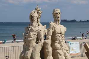He met and worked with several professional sculptors who helped him refine his skills and enter the Sand Sculpture World Championship in 2008. Guy is now a professional sand and ice sculptor.