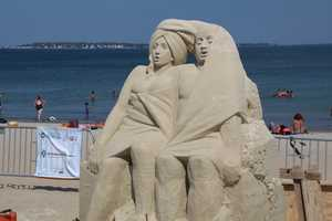 Pavel Mylnikov from Moscow, Russia is the artist behind this piece. Pavel is both an ice and sand sculptor. He is a five-time world champion of sand sculpture, and the 11-time winner of the International and Russian competitions of sand sculpture.