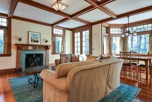 This home has high ceilings & very open & comfortable living spaces.