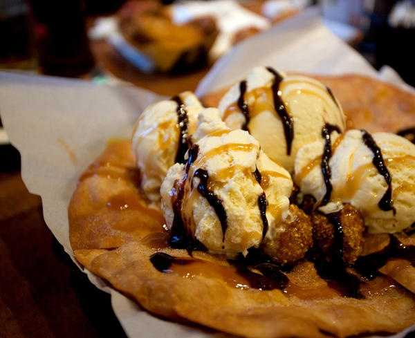 The crispy Dessert Nachos loaded with sugar had 2,100 calories and 30 teaspoons of sugar according to the CPSI.