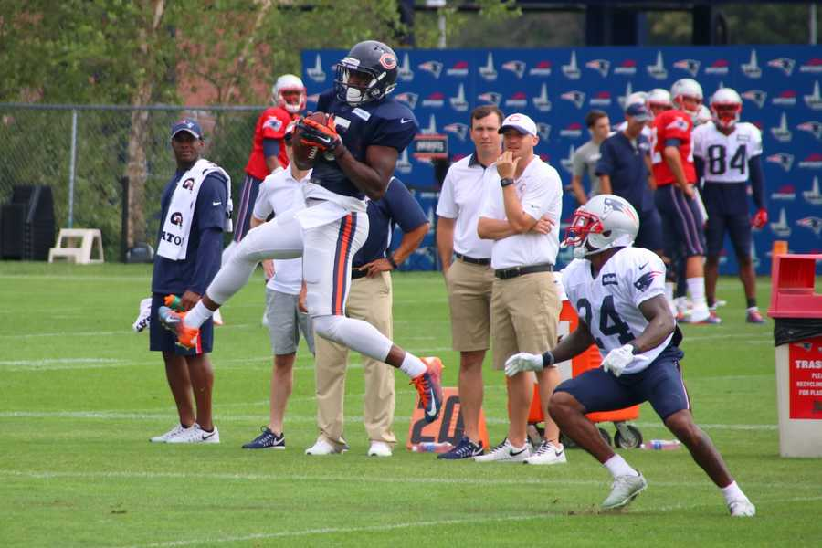 Patriots rookie cornerback CyrusJones watches as Bears wide receiver DarrinPeterson makes a catch during one-on-one team drills.