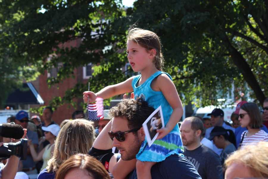 Many young girls were on hand for Raisman's rally.
