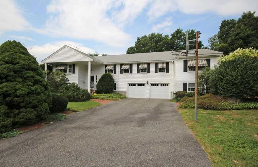 Located at 3 Hickey Dr. in Framingham, the asking price is$624,900. From the outside, it looks pretty normal.
