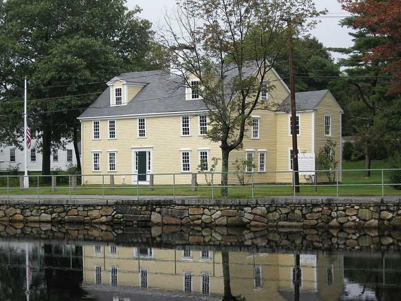 Medfield. Average home price $746,127.