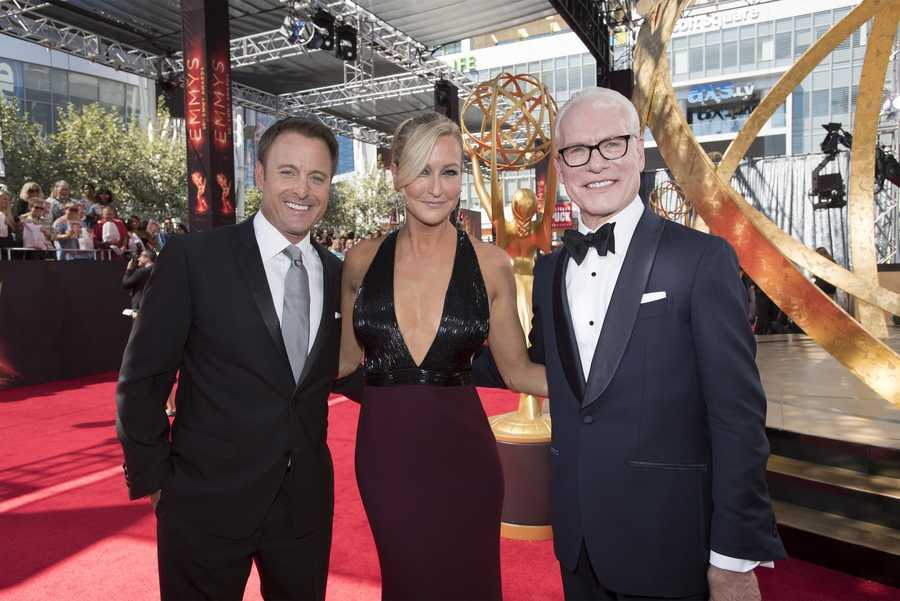 ABC's Chris Harrison, Good Morning America's Lara Spencer and Tim Gunn were part of the Red Carpet special that aired before the show.
