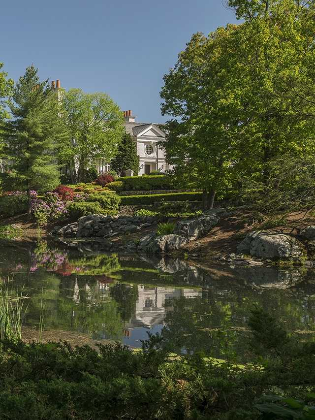 The estate is marketed exclusively by Jonathan P. Radford and Deborah M. Gordon, sales associates affiliated with Coldwell Banker Residential Brokerage in New England, through the company's luxury marketing division, Coldwell Banker Previews International.