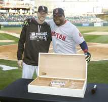 The Chicago White Sox gifted Ortiz a humidor with 50 Dominican cigars to pay homage to one of the greatest Dominican baseball players.