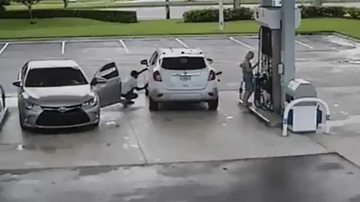 broward county sheriff's gas station pic