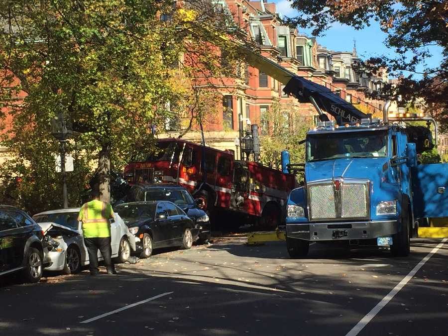 A heavy-duty tow truck was called in to remove Engine 7 from the wreck.