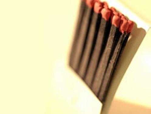 Waterproof matches / sterno