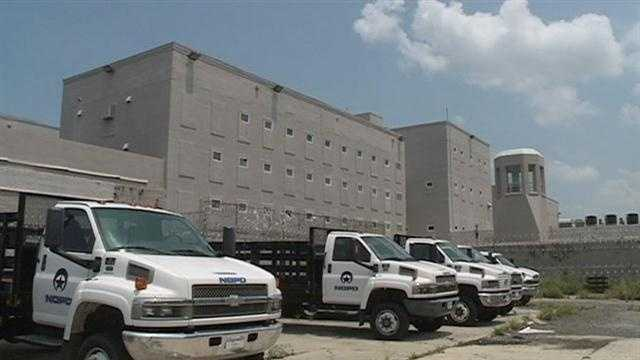 The Orleans Parish prison lost power Monday morning and had to utilize a generator.