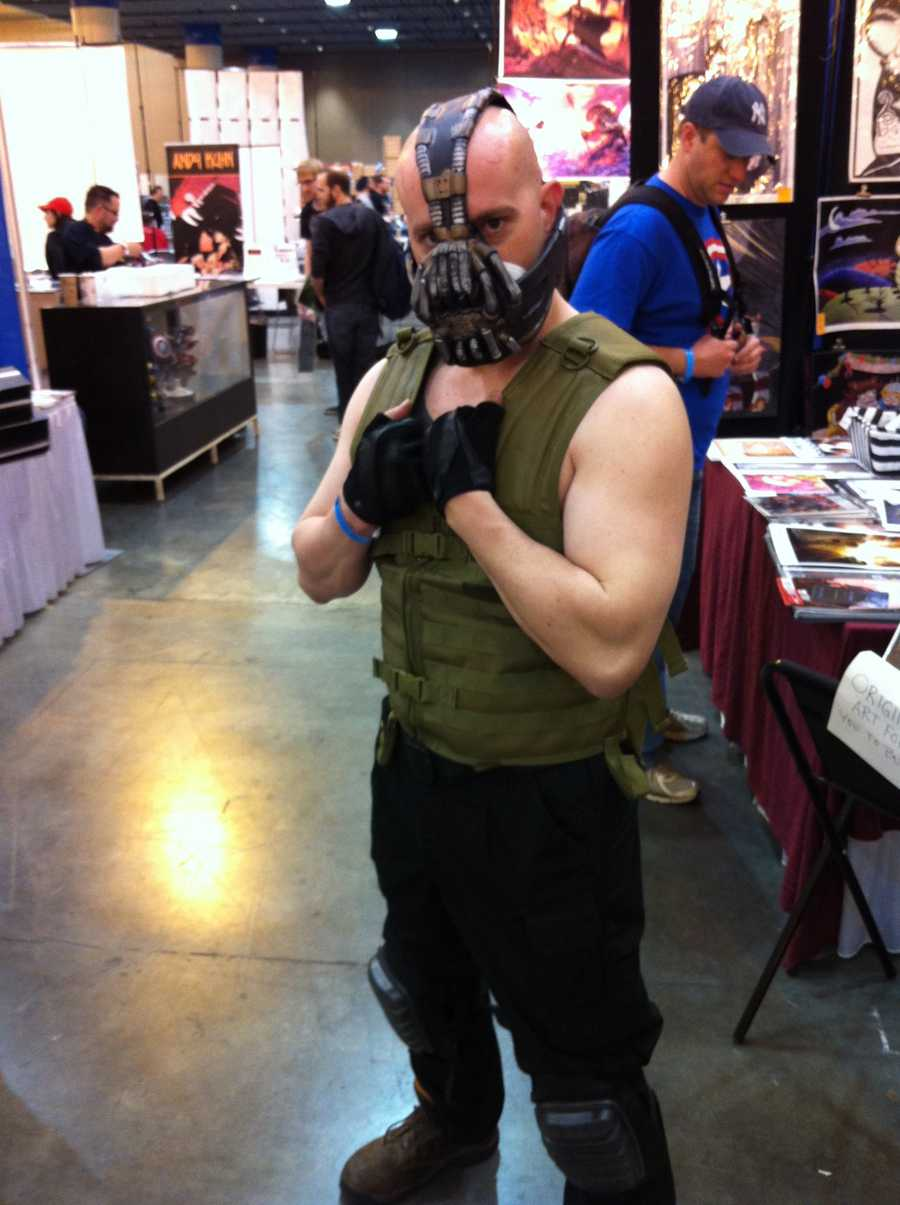 A fan poses as Bane from the Dark Knight Trilogy.