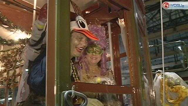 Phunny Phorty Phellows and Joan of Arc roll on Twelfth Night despite streetcar construction.