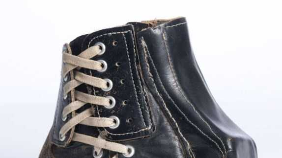 New Orleans Saints' Tom Dempsey's kicking shoe from 1970.