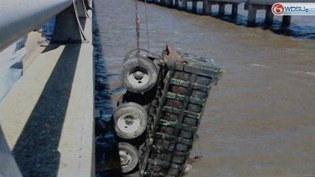 All lanes of Causeway Bridge reopened&#x3B; Driver of dump truck still missing