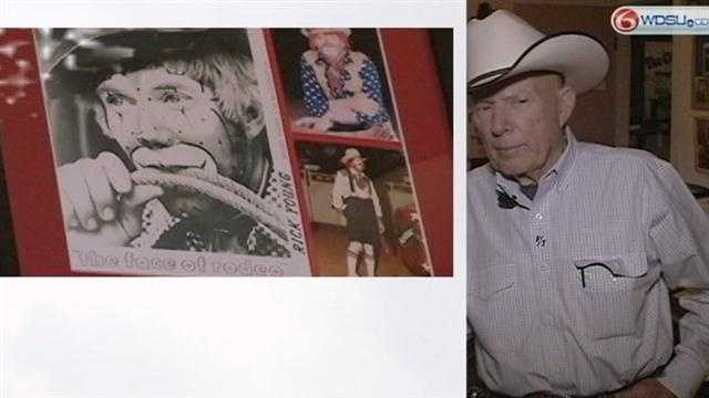 Rodeo clown Rick Young stands between bulls, inmates for 54 years