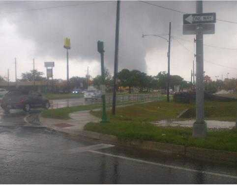 Tornado near Loyola Ave. and I-10 in Kenner