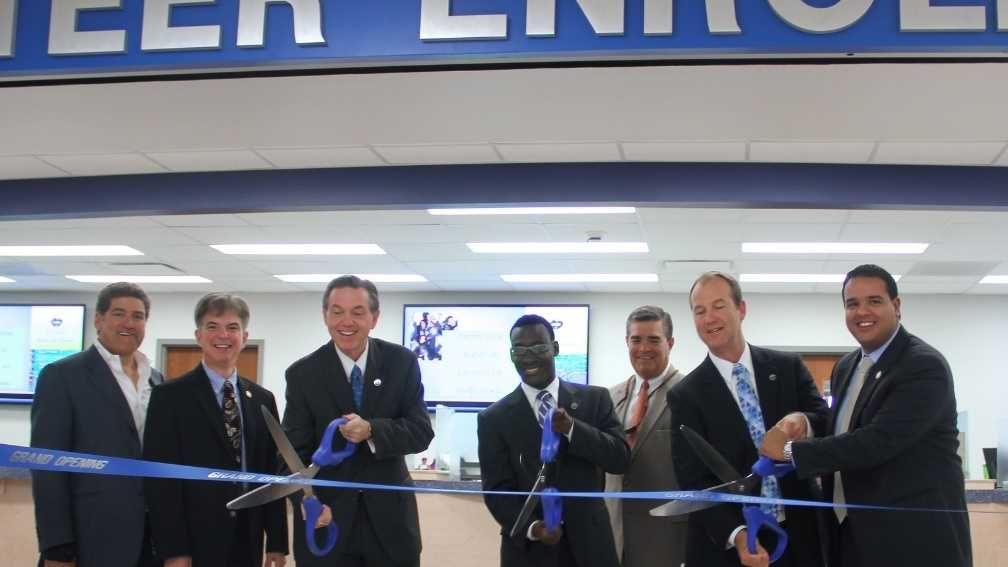 UNO unveiled its Privateer Enrollment Center Friday in front of university administrators, faculty, staff and students.