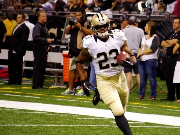 Saints rushing offense versus Jets rushing defense:New Orleans continues to struggle on the ground. But when your quarterback can throw for five scores and no picks, who cares? Pierre Thomas' 65 rushing yards last week is the most yards an individual rusher has had for the Saints this year. However, the Saints amassed 12 yards on their other 12 carries.The Jets have boasted the league's best run defense in both yards per carry (3.1) and yards allowed (623).Big advantage for New York here, but it shouldn't have much effect on the outcome.Advantage: Jets