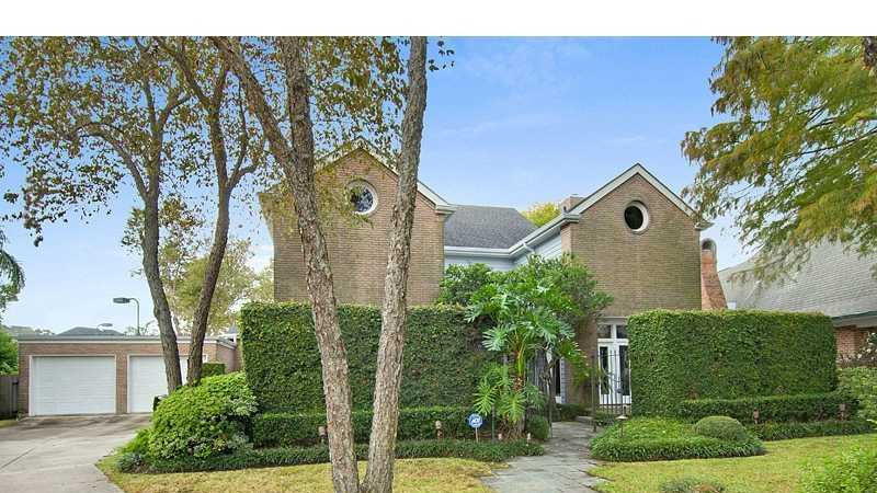 Gardner Realtors shows this stunningly beautiful custom-built contemporary home in Metairie, which is listed at $825,000. For more information contact them by email at info@gardnerrealtors.com or by phone: 800-566-7801.