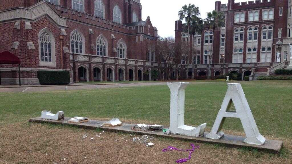 Loyola damaged sign.jpg